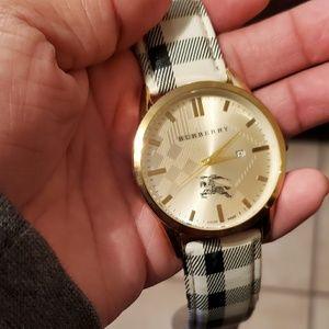 Burberry watch unisex